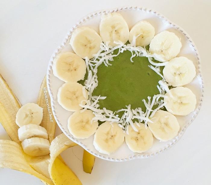 Spinat Pfirsich Smoothie Bowl (Vegan + Glutenfrei)