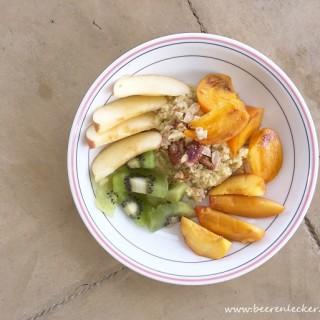 Warmer Hirsebrei mit frischem Obst (natürlich gesüsst und vegan)