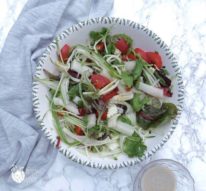 Gesunder Spargel Zucchini Salat